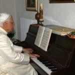 pope-benedict-xvi-0210