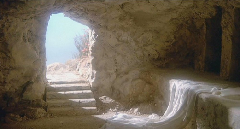 http://www.turnbacktogod.com/wp-content/uploads/2012/04/Empty-Tomb-Picture-06.jpg